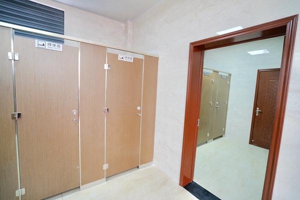 公厕内部结构