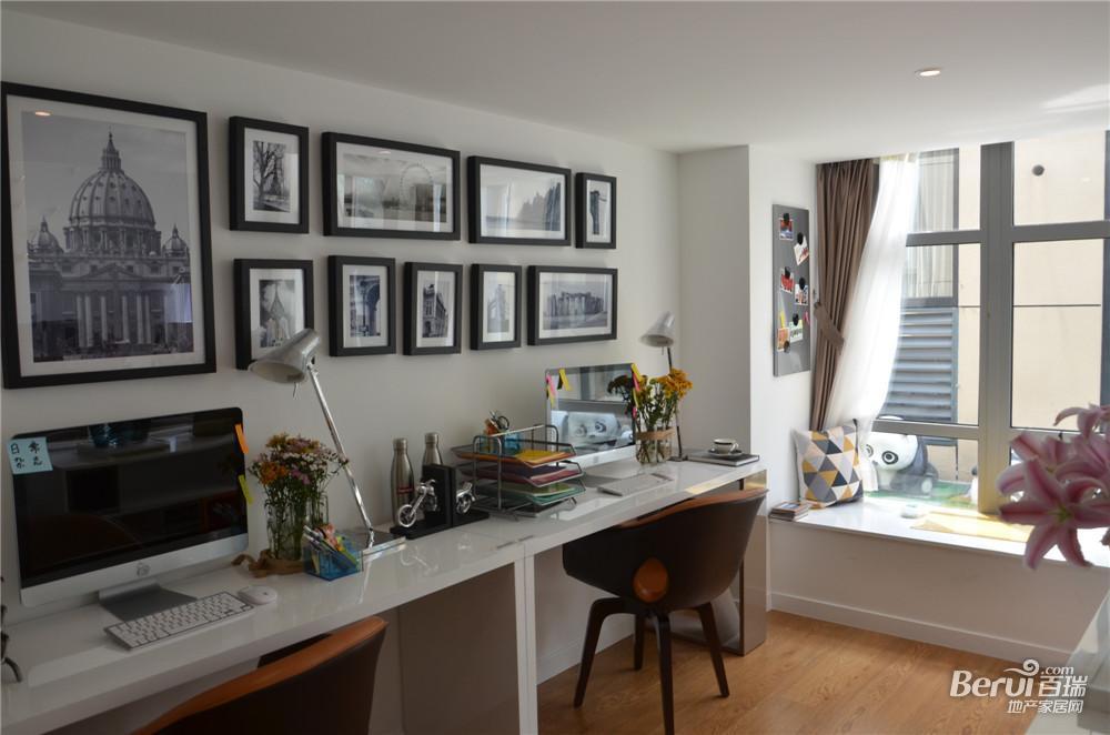 金大地时代天街60㎡样板间独立书桌