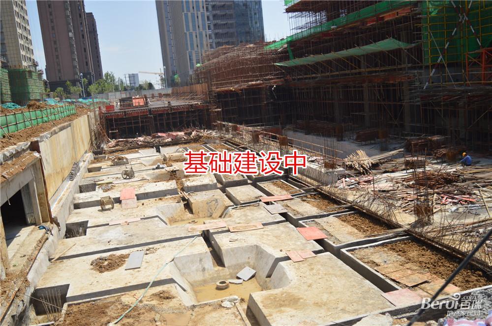 徽盐世纪广场建设中