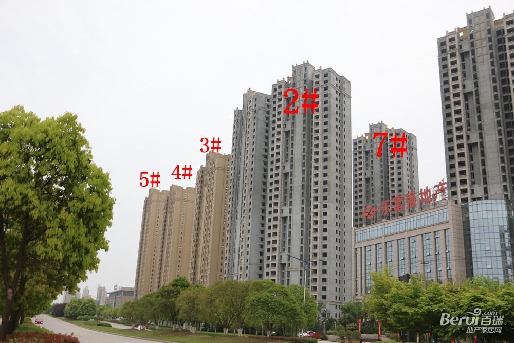 御景城3#、4#、5#现房已经呈现