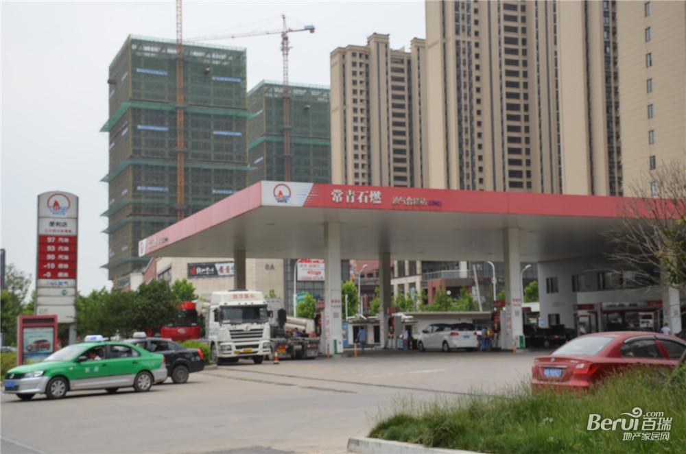 绿地御徽附近加油站