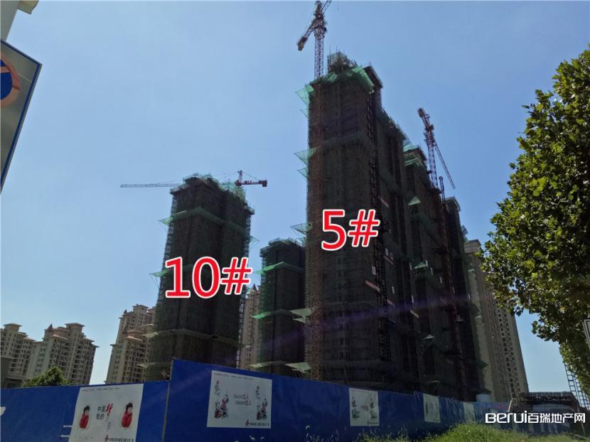 圣联梦溪小镇5#、10#楼封顶