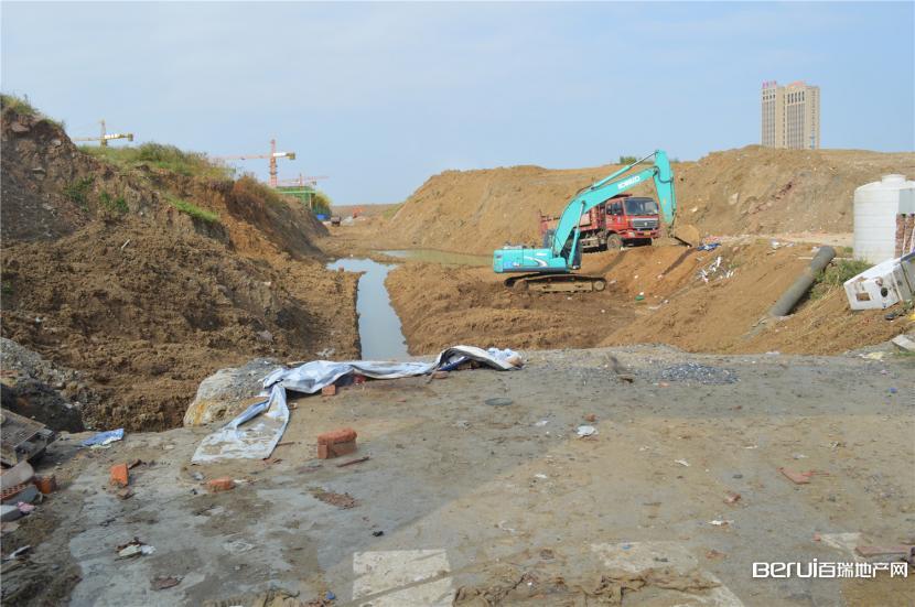 铂悦庐州府在挖地