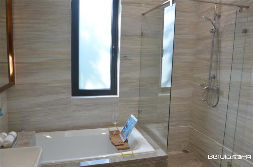 中海央墅样板间卫浴