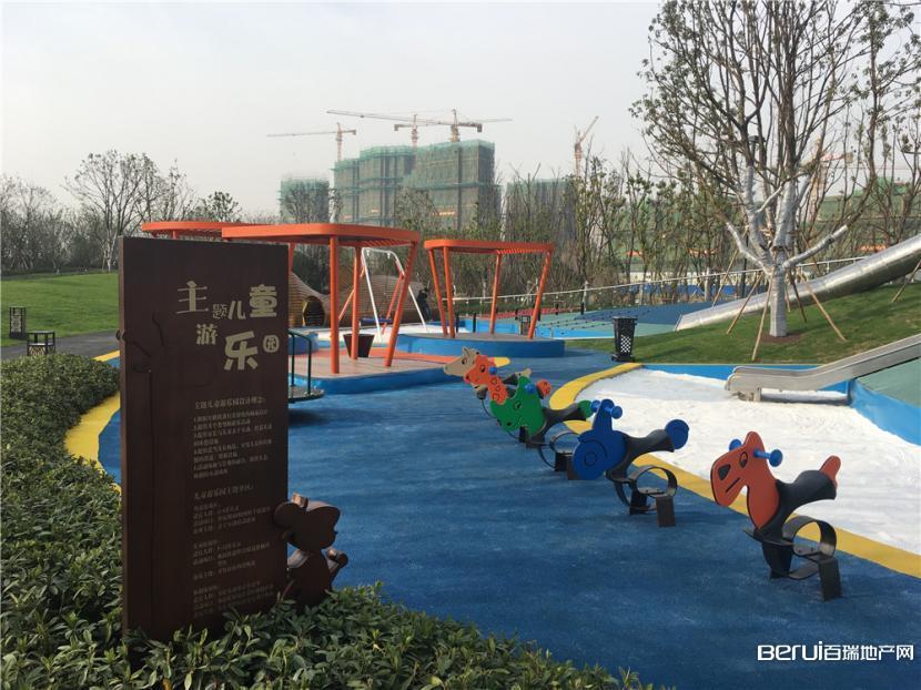 中海央墅售楼部内儿童示范区实景