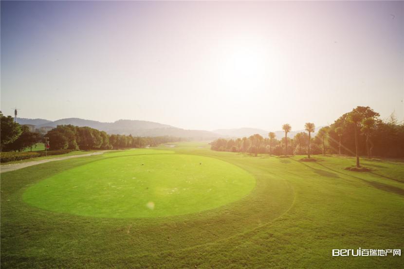 美好紫蓬山壹号高尔夫球场