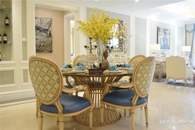 蓝光雍锦半岛361㎡亲湖洋房样板间餐厅