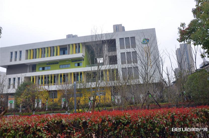 置地·滨湖双玺周边学校