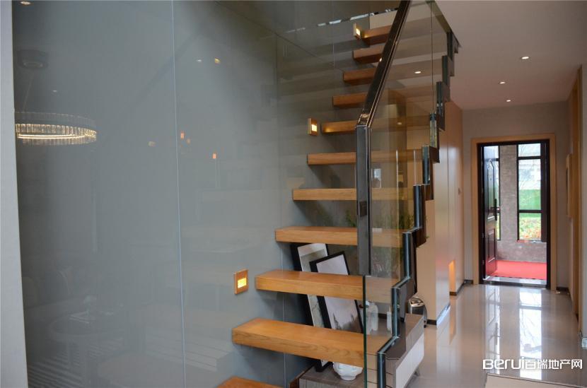 文一名门金隅loft公寓35㎡B户型楼梯