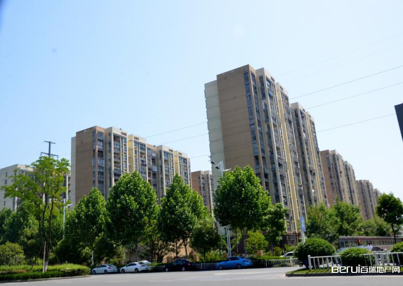 建发雍龙府周边小区