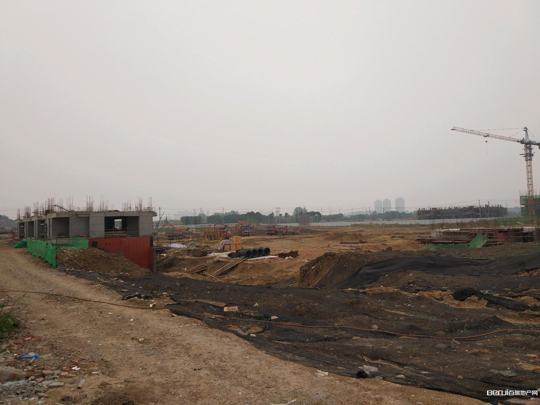 绿地·柏仕公馆工程现场