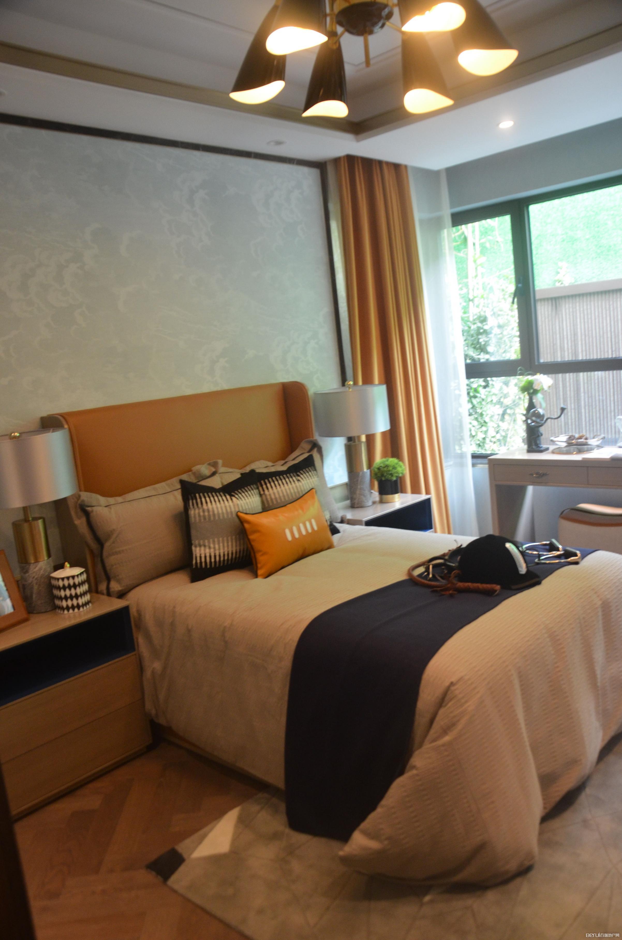 滨湖金茂悦洋房165㎡卧室