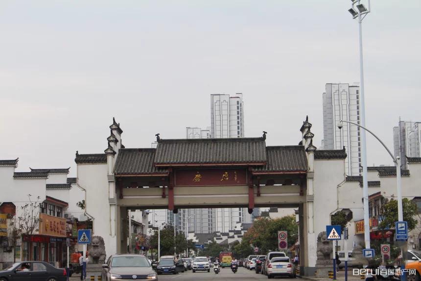 保利罗兰香谷周边商业街