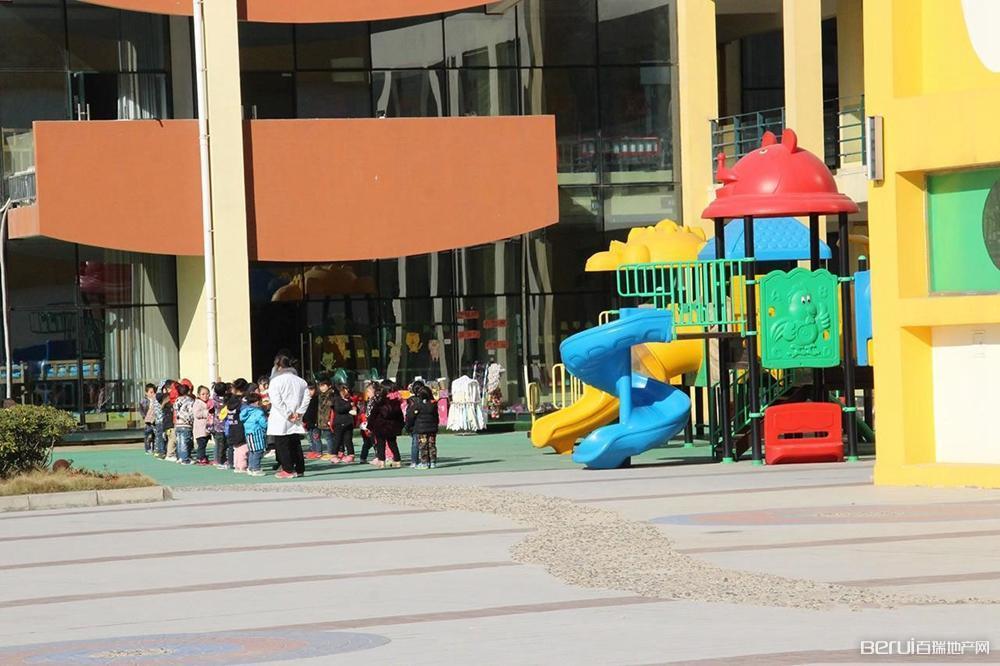 众信·新安府附近幼儿园