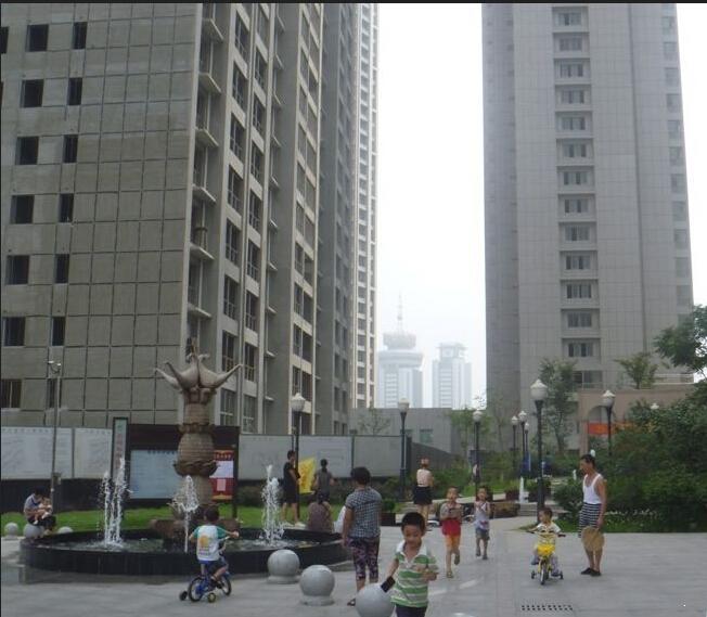 顶峰国际公寓实景图