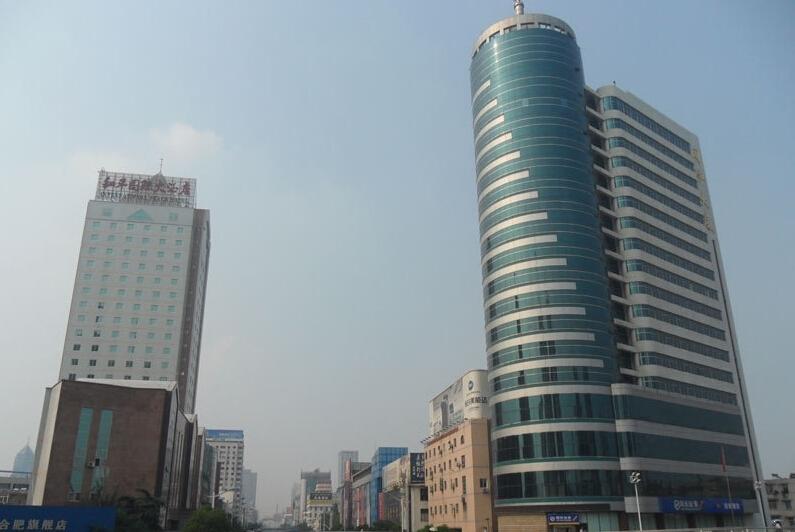 东方广场附近建设银行