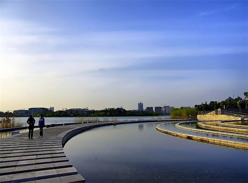 世茂翡翠首府周边翡翠湖