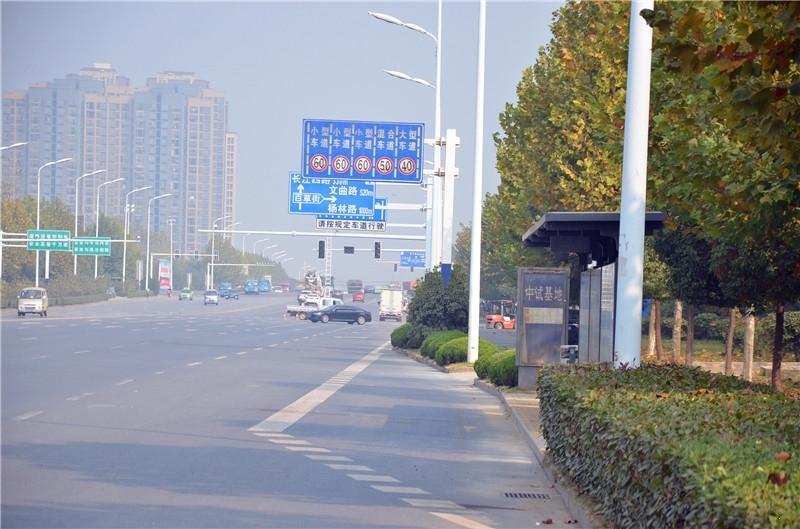 悦湖山院附近公交站牌