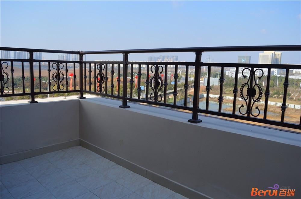 悦湖山院143㎡样板间阳台