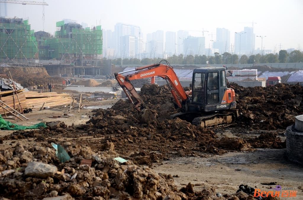 蓝光雍锦半岛工程现场