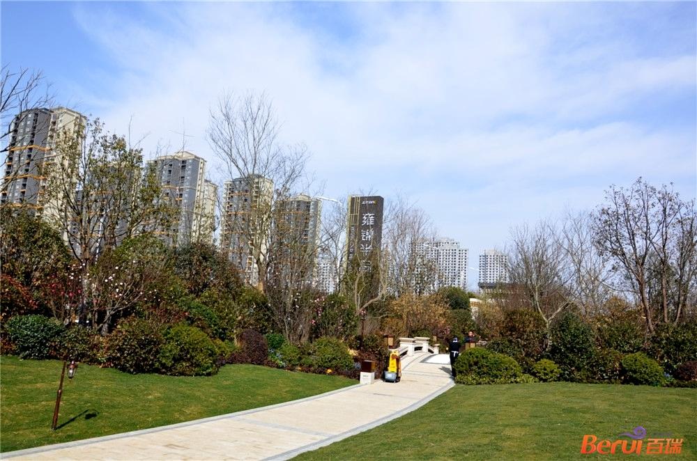 蓝光雍锦半岛售楼部实景图